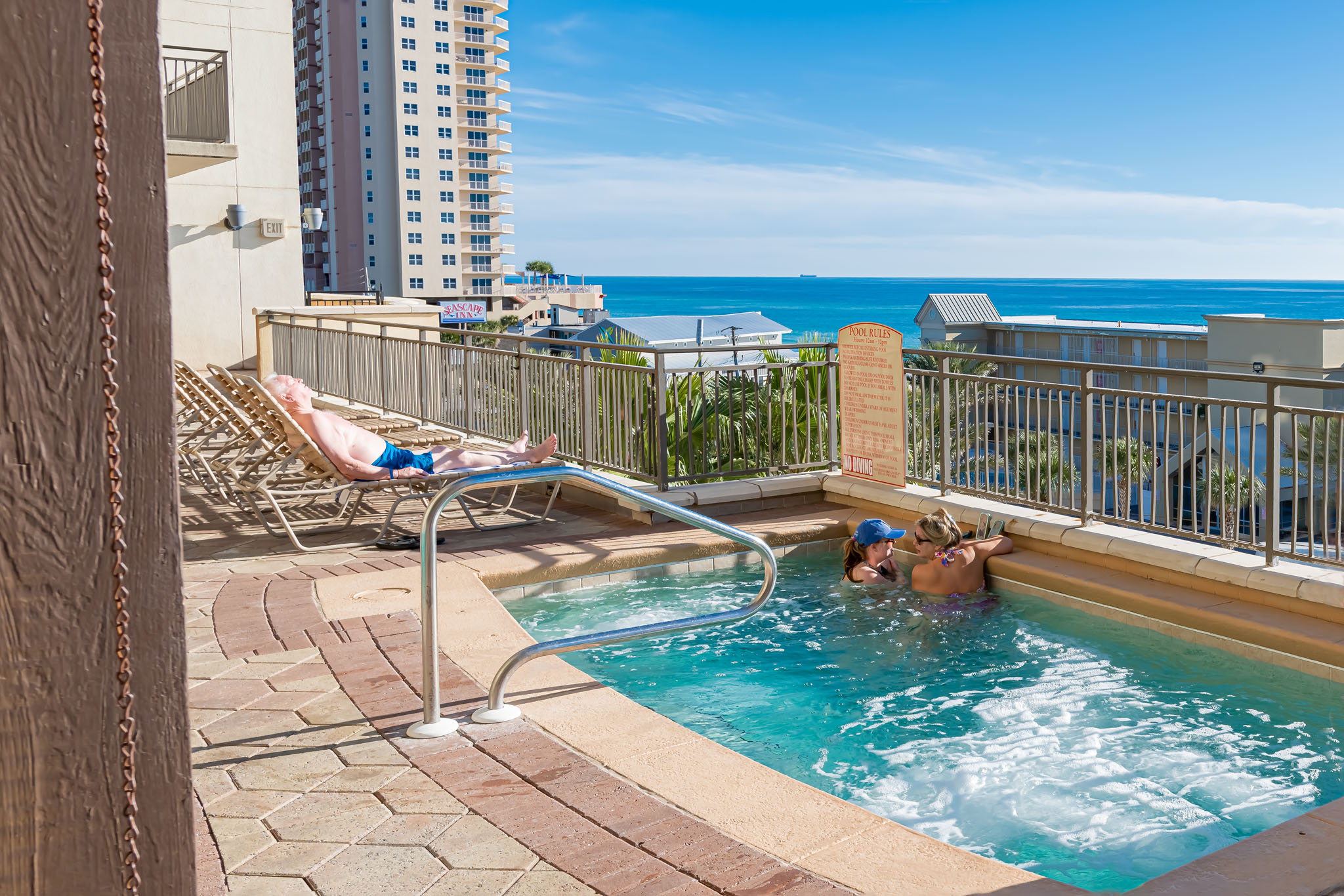 Fantastic Amenities - Explore Panama City Beach!